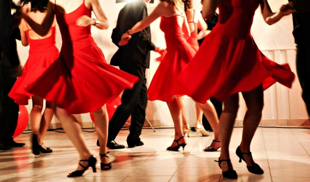 apprenez danser la salsa ce week end paris secret. Black Bedroom Furniture Sets. Home Design Ideas