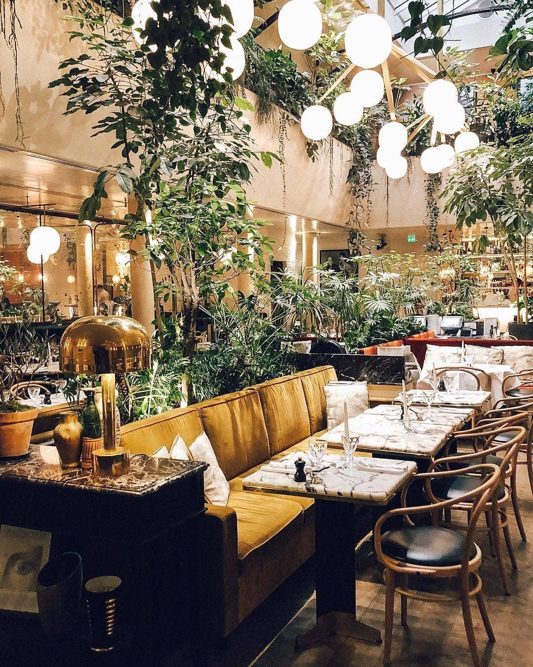 Décorer Un Mur De Jardin les plus beaux bars et restaurants à déco végétale de paris